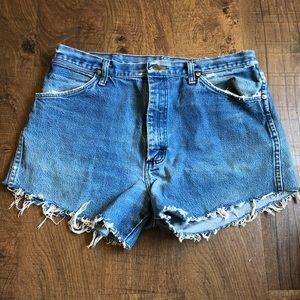 Woman's Wrangler Shorts